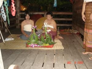 Demonstration of floral art at Siam Nirimit