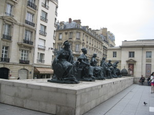Sculptures outside Le Musee D'Orsay