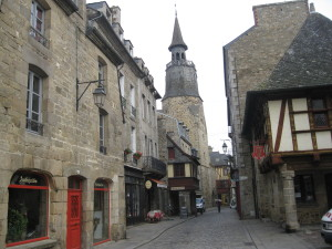 A street in Dinon